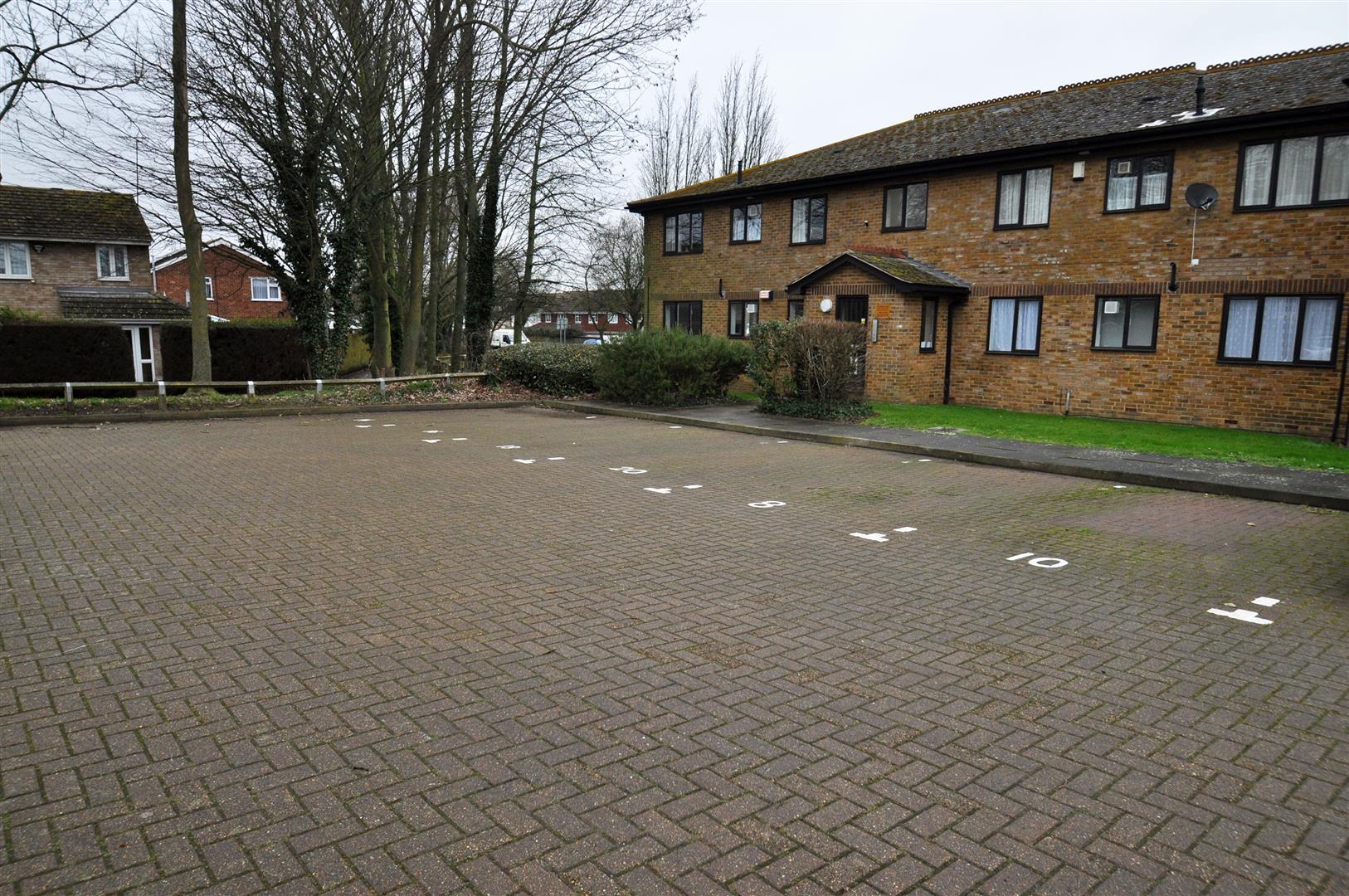 Meresborough Road